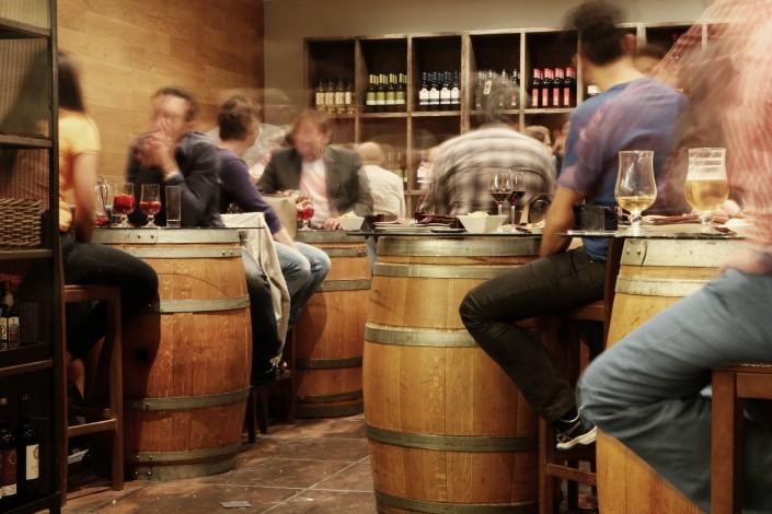 Weinproben auf dem Weinfest in Heppenheim